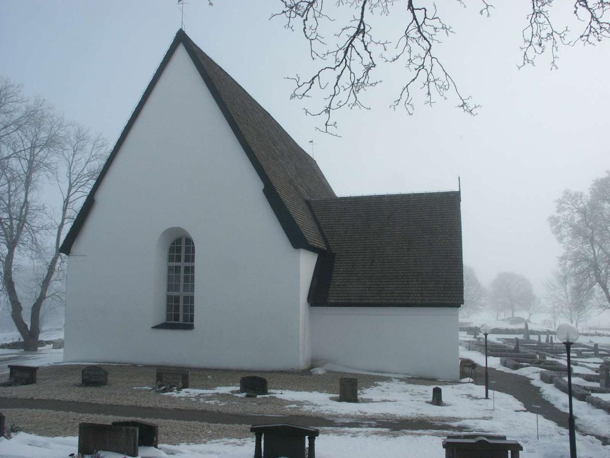 Härkeberga kyrka från väster, Härkeberga socken, Uppland  2004