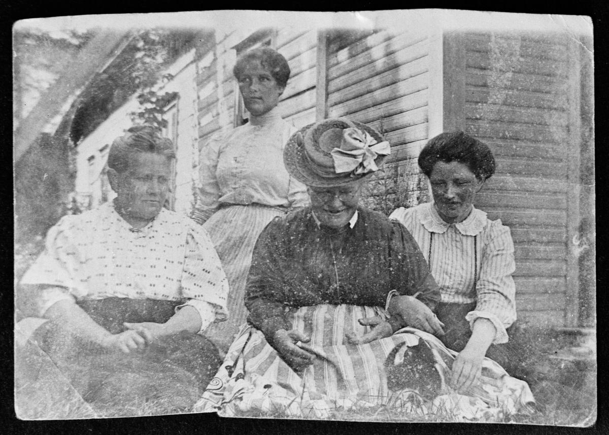 Reprofotografi - fyra kvinnor