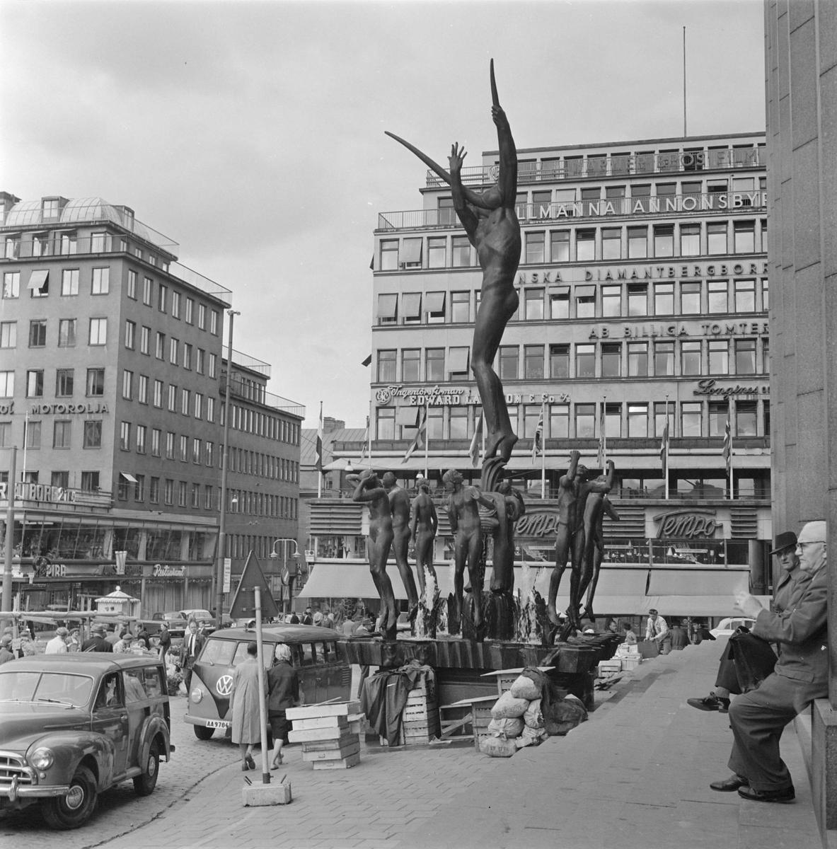 Fontänskulptur Orfeusgruppen av Carl Milles framför Konserthuset på Hötorget i Stockholm