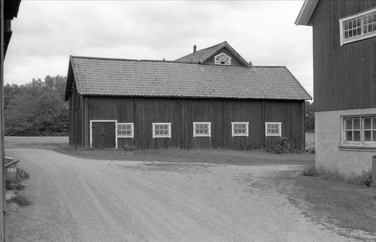 Ladugård, Hässelby 5:1, Börje socken, Uppland 1983