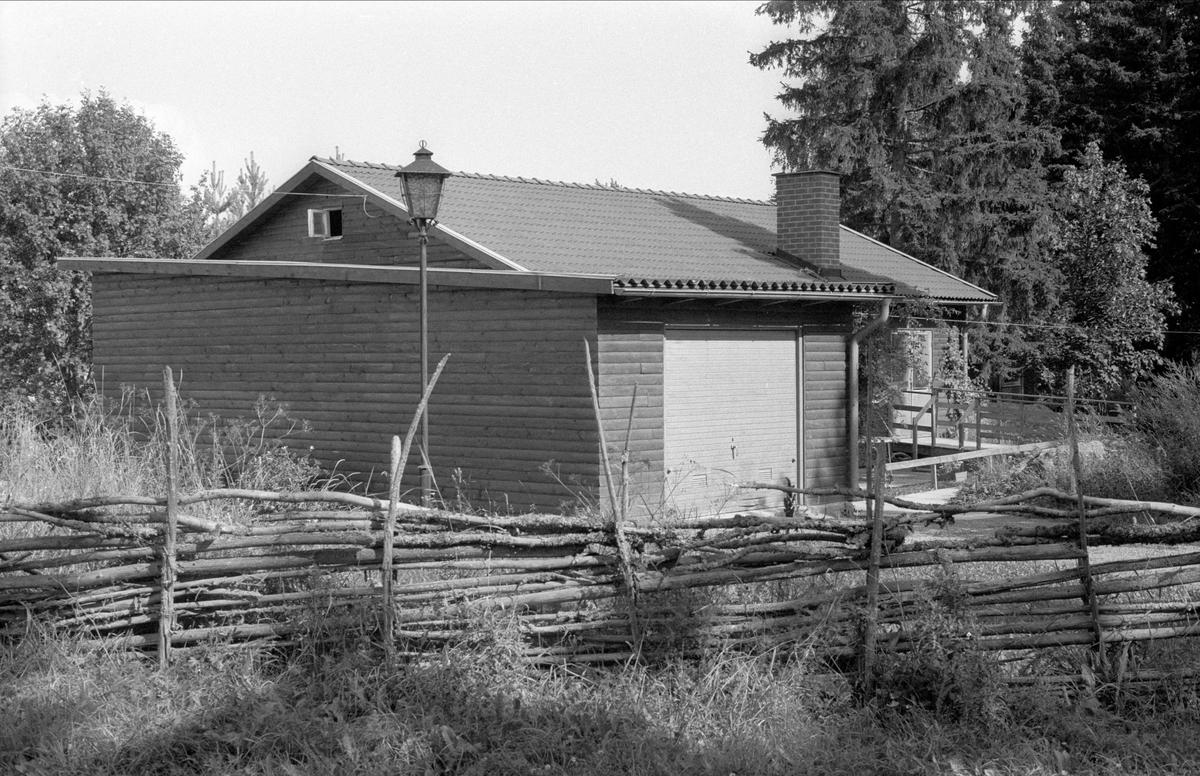 Bostadshus och garage, Skogsbrynet, Börje socken, Uppland 1983