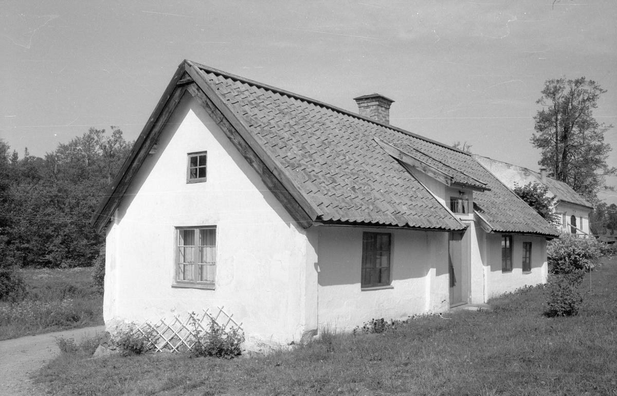 Mjölnarbostad, Ekeby kvarn, Fullerö 23:13, Ekeby, Gamla Uppsala socken, Uppland 1977