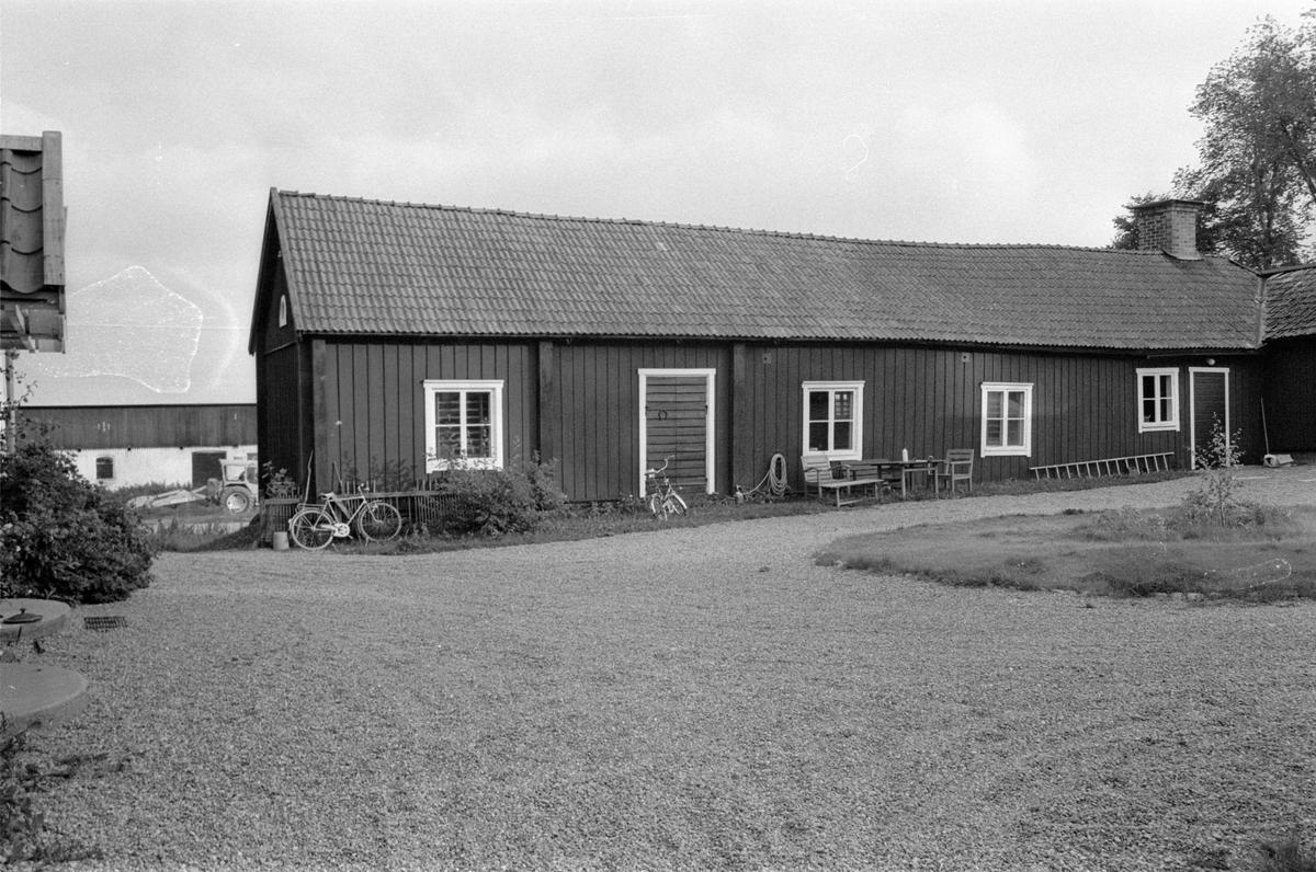 Före detta affär - lager och gymnastiksal, Vattholma 5:8, Vattholma, Lena socken, Uppland 1978