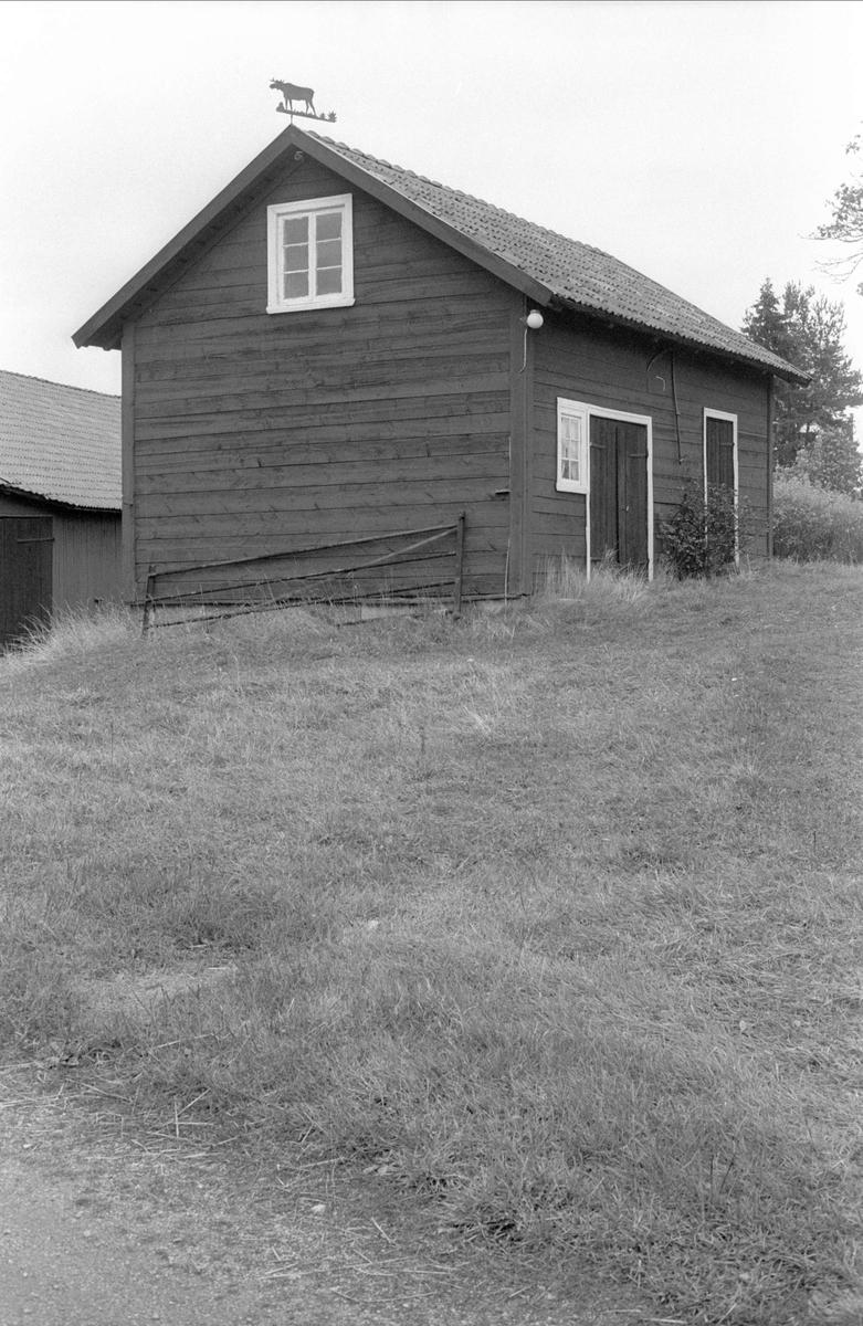 Uthus, Oxsätra 1:17, Bälinge socken, Uppland 1983