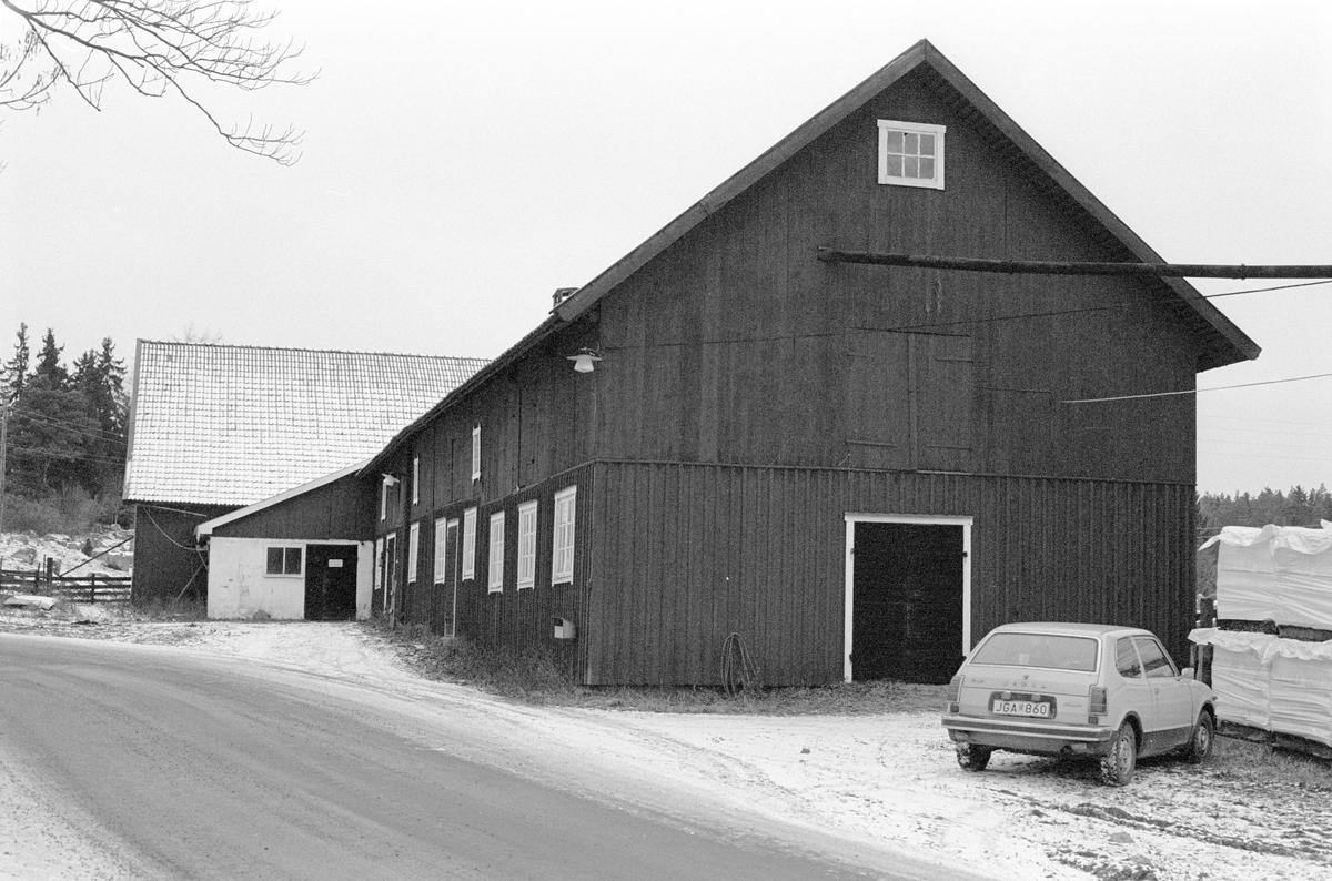 Magasin, Möjbro 1:1, Möjbro, Hagby socken, Uppland 1985