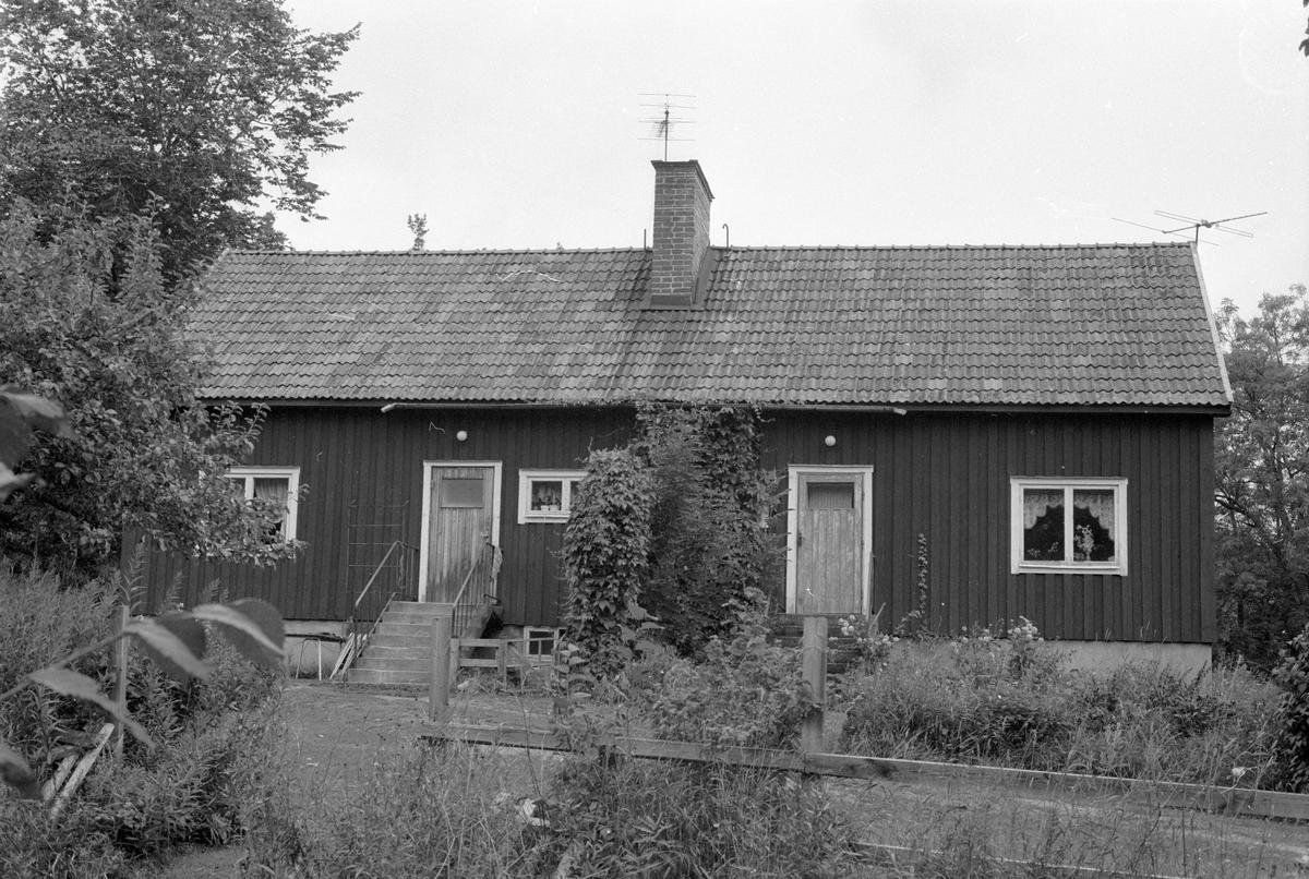 Bostadshus före detta arbetarbostad, Ekeby gård, Ekeby, Knutby socken, Uppland 1987