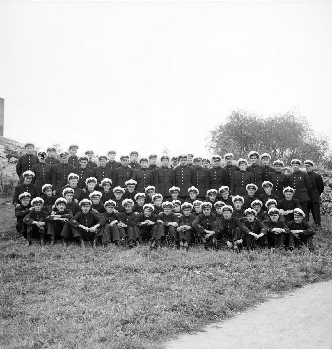 """""""Muckgrupp"""" med flygare, sannolikt Uppsala, augusti 1948"""