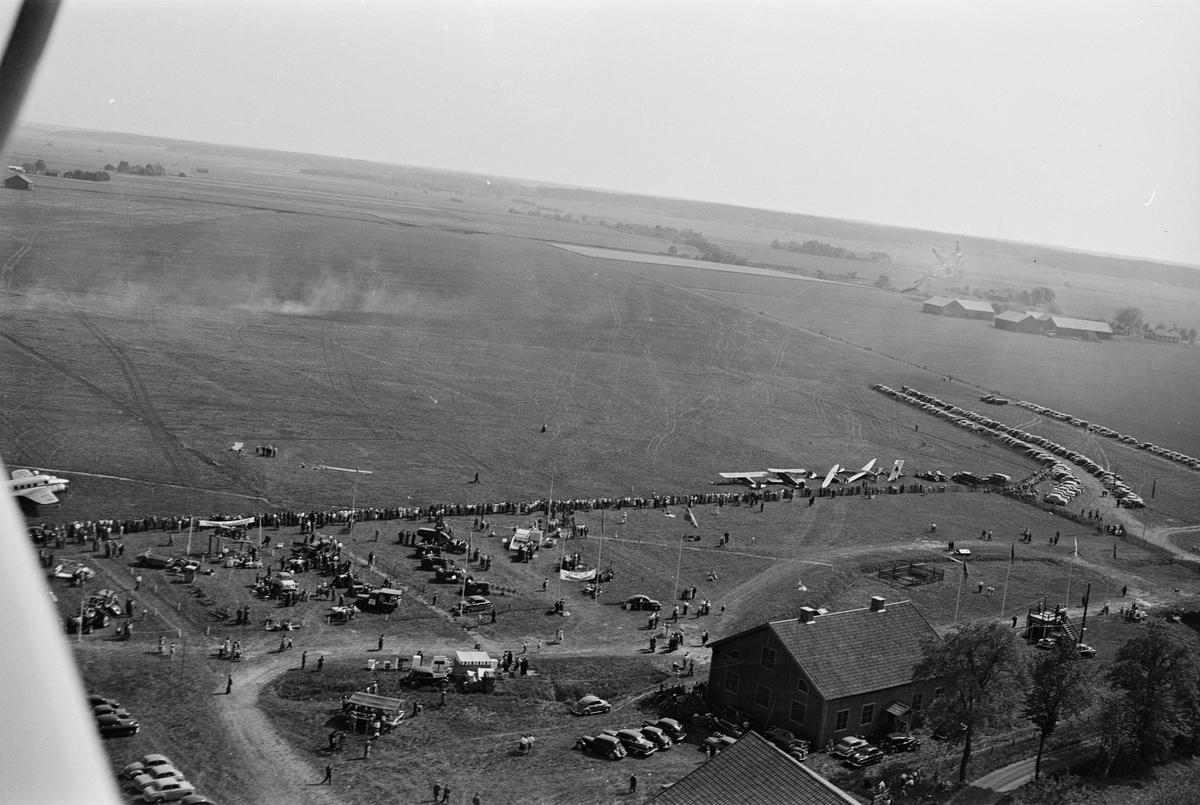 Flygets dag på Sundbro, Uppland maj 1954