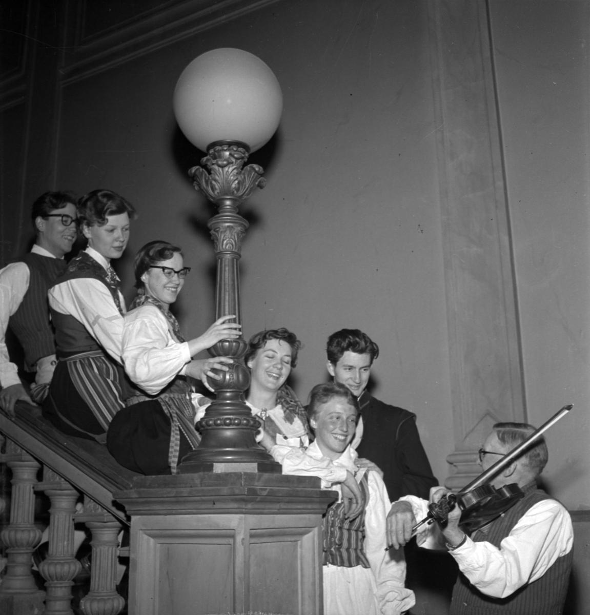 Folkdansföreningen Philochoros firar 75 års jubileum, Uppsala maj 1955