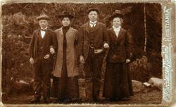 Portrett av ungdommer fra Valand og Langenes i Konsmo senere Audnedal.