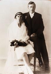 Brudebilde av Josefine og Torleif Valand fra Audnedal.