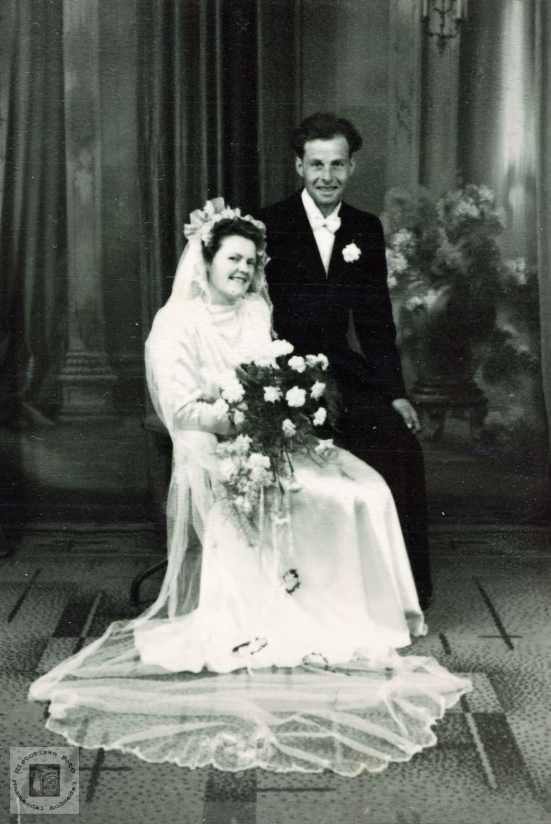 Brudeparet Selma og Jens Sveindal.