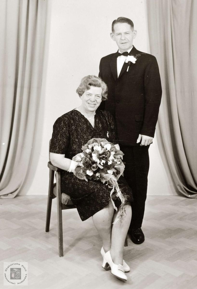Portrett av brudeparet Gunvor og Johan Hårtveit. Grindeheim Audnedal.