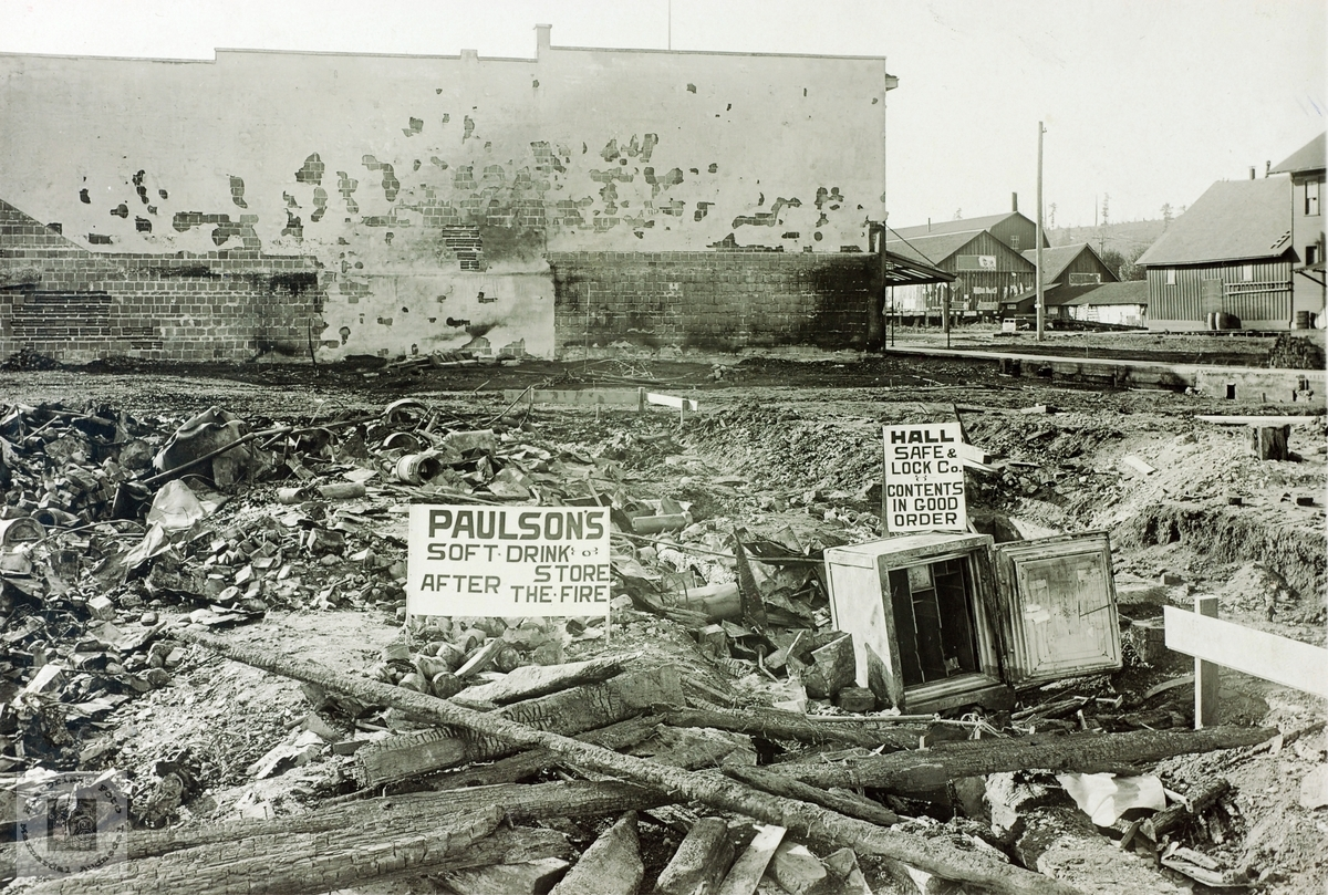 Paulsons Soft Drinks Store. Etter brannen. USA