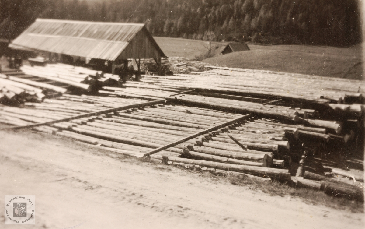 Stordrif av tømmer til Lelandsaga. Grindheim.