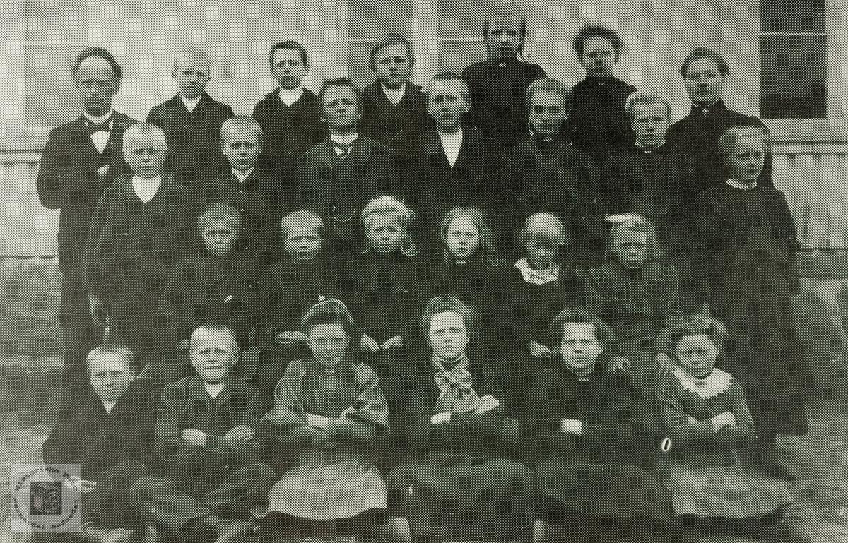 Elever ved Byremo skole. Grindheim.