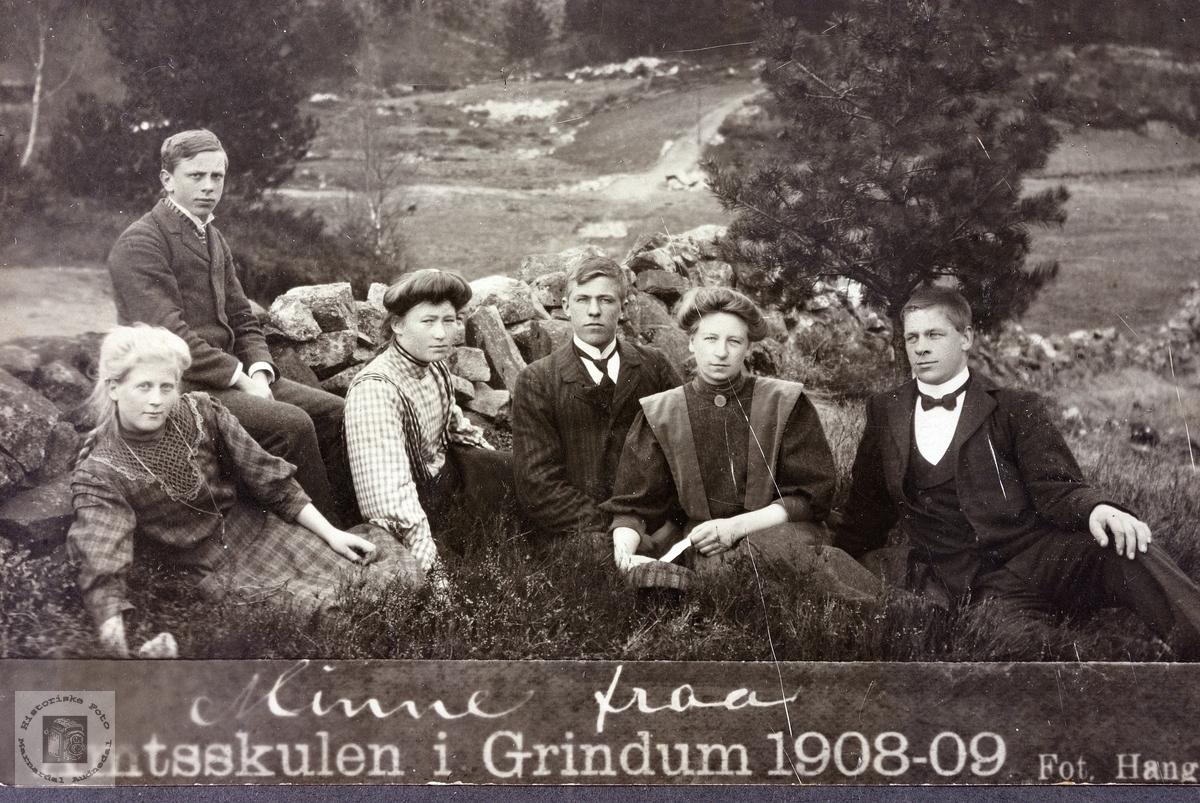 Minne frå Amtskulen i Grindheim.