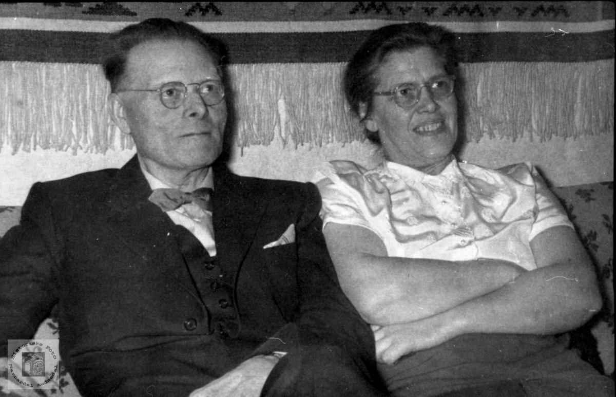 Portrett av ekteparetSigurd og Gislaug Bjørgsvik.