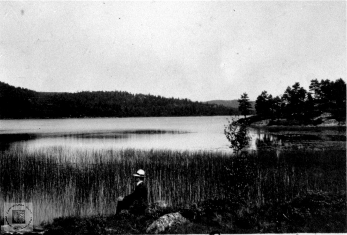 Idyll ved Ågevann, Skuland i Laudal.