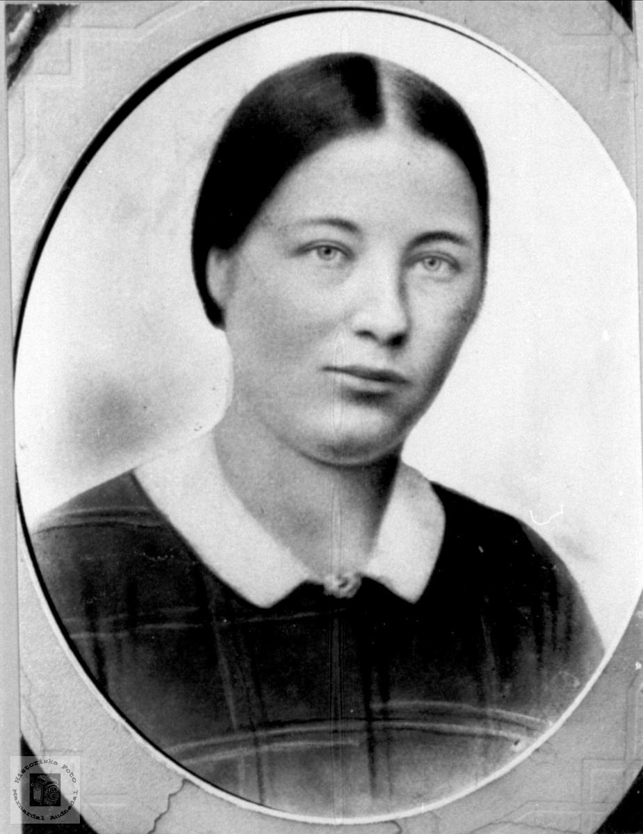 Portrett av Ingeborg Fossestøl, Øyslebø.