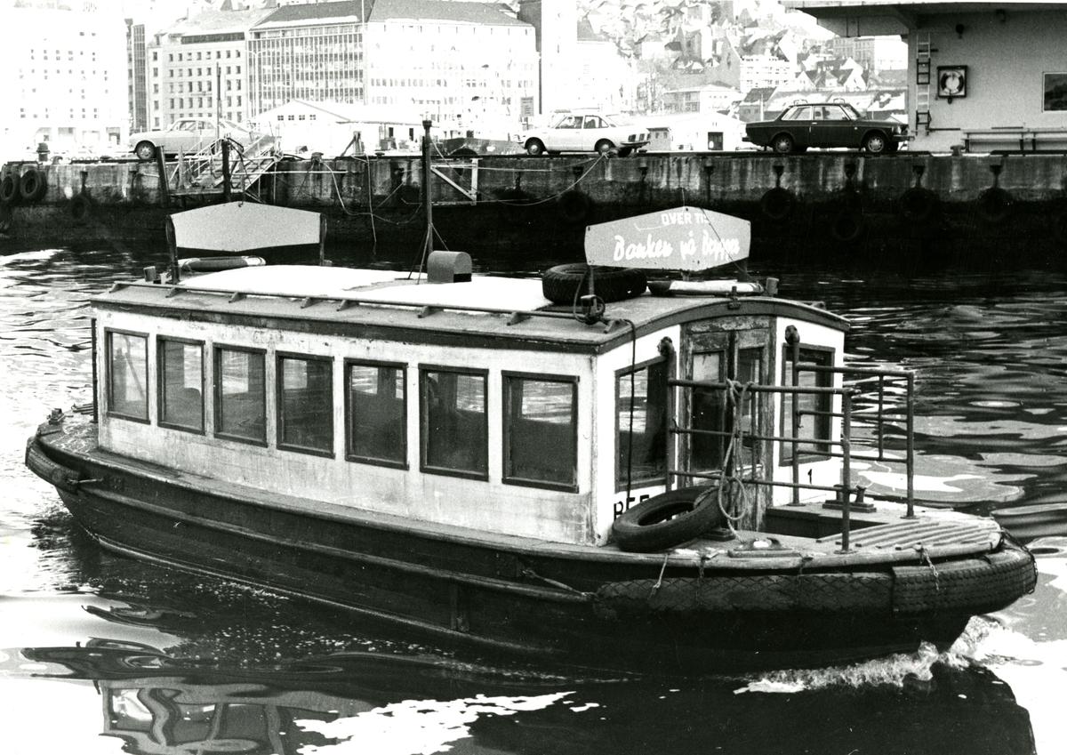 M/B 'B.E.F. I' (b.1944, Jondal), - i Bergen.