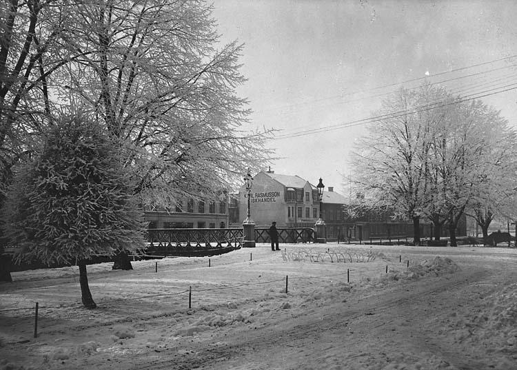"""Enligt notering: """"Järnbrons norra del, omkring 1915    ::"""