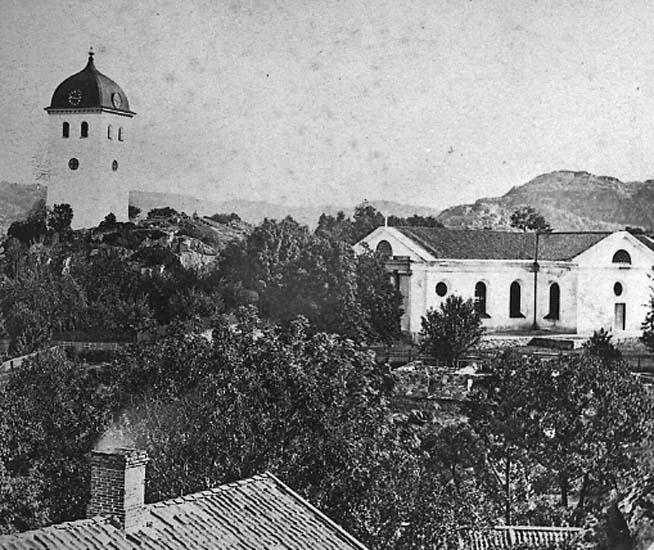 """Enligt text på fotot: """"Kyrkan och klocktornet, Uddevalla från sydväst""""."""