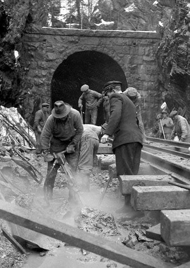 """Enligt notering: """"Tunnelbygget 31/1 1948""""."""
