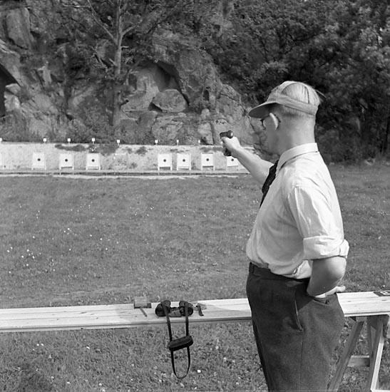 """Enligt notering: """"Pistolskytte Sept 1949""""."""