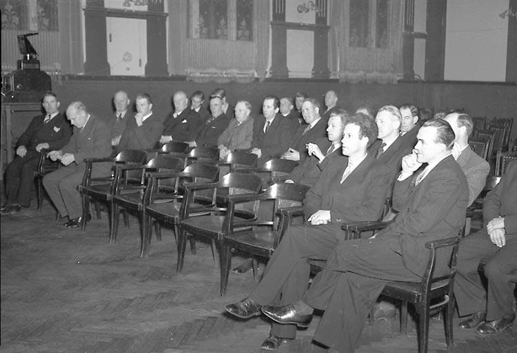 """Enligt notering: """"Lantbruksmöte Grand 15/11 1947""""."""