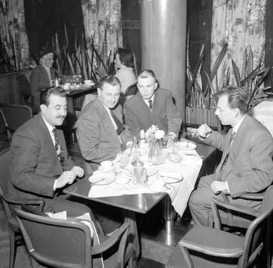 """""""Keramikexperter på Havet den 12 november 1958"""""""