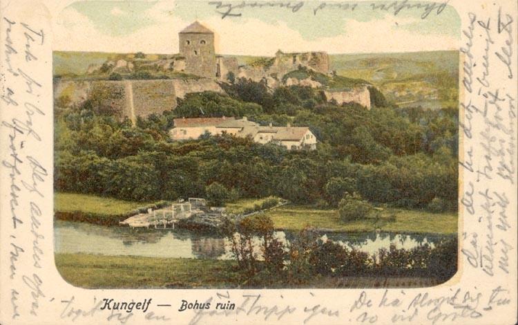 """Tryckt text på kortet: """"Kungelf - Bohus ruin"""".    ::"""