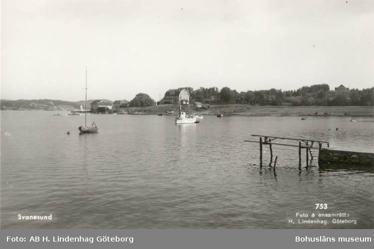 """Tryckt text på kortet: """"Svanesund.""""  Noterat på kortet: """"27/9 1955."""""""