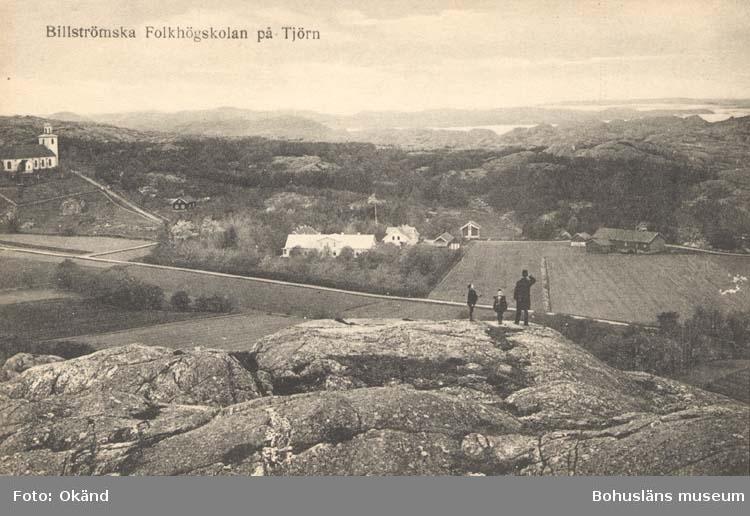 """Tryckt text på kortet: """"Billströmska Folkhögskolan på Tjörn."""" ::"""