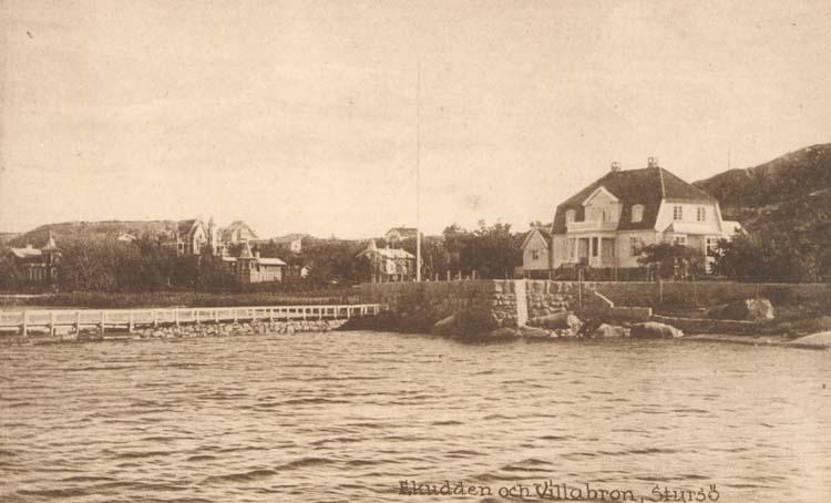 """Tryckt text på kortet: """"Ekudden och Villabron, Styrsö.""""  ::"""