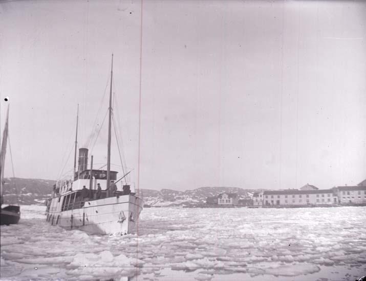 """Enligt text som medföljde bilden: """"Ång. Albrektsund."""""""