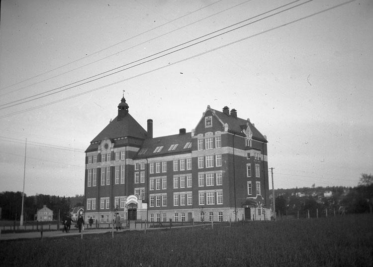 """Enligt text som medföljde bilden: """"Jönköping. Västra Folkskolan."""" ::"""