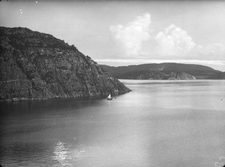 "Enligt fotografens noteringar: ""1926 Gårvik, Reproduktion."""