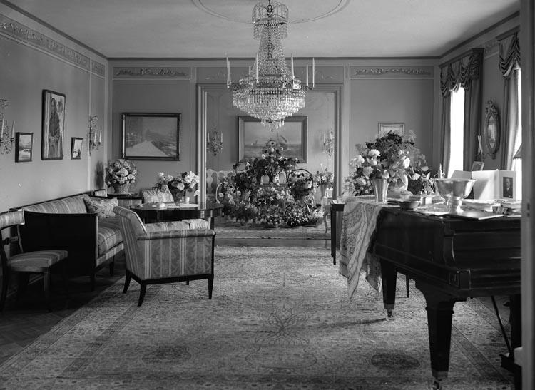 """Text som medföljde bilden: """"1934.14. Troligen Fru Bildts 50-årsdag."""""""
