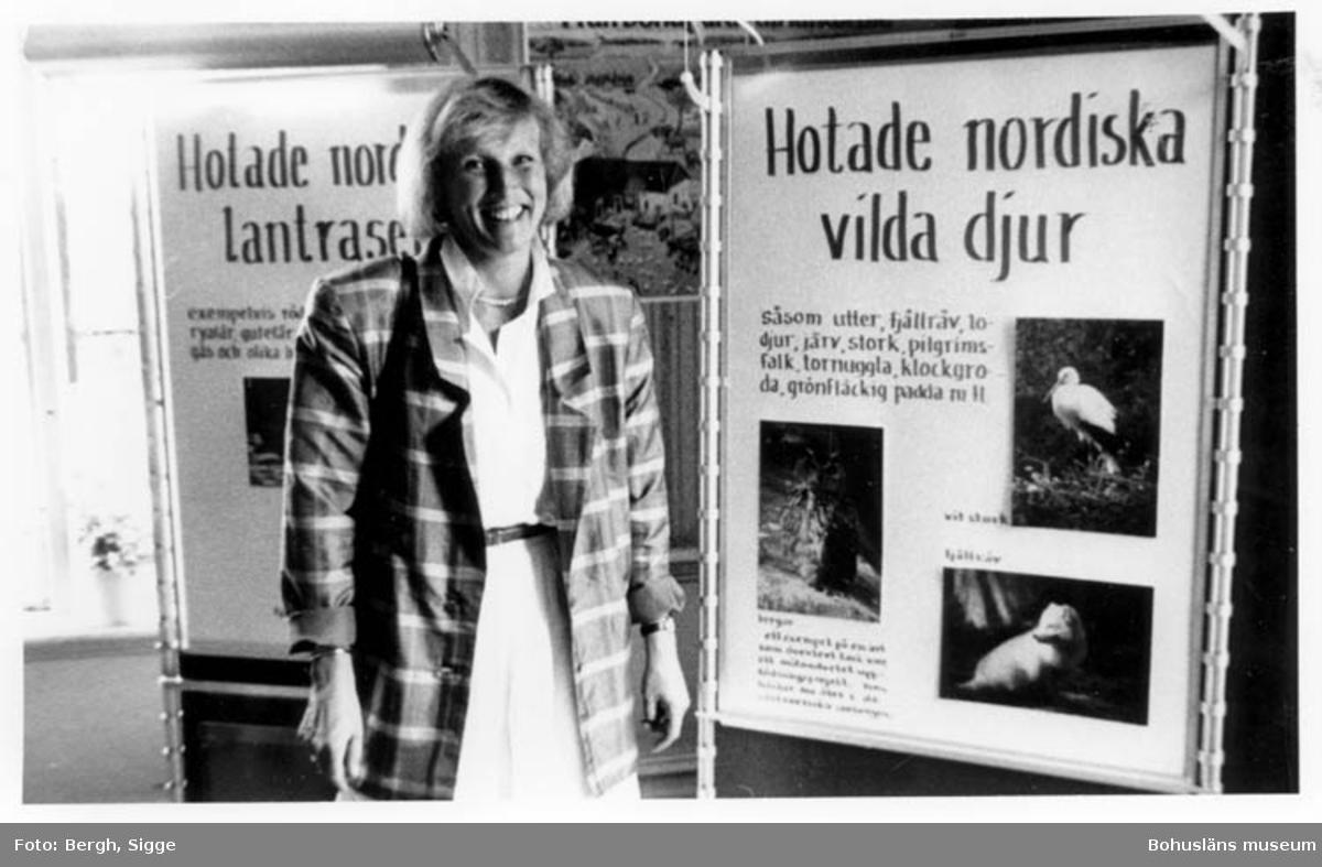 """Enligt text på fotot: """"Chefen för Nordens Ark Lena Maria Lindén Åby säteri 1989""""."""