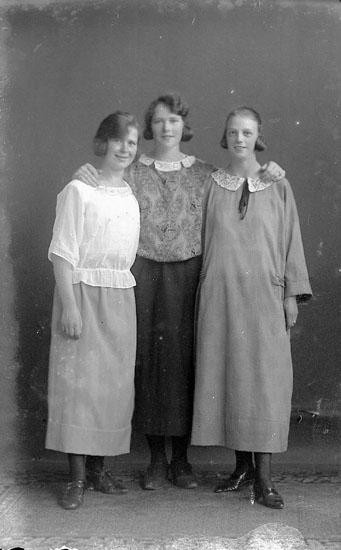"Enligt fotografens journal nr 1 1904-1908: ""Andersson Gustafva St-sund""."