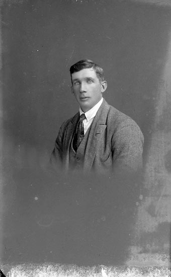 "Enligt fotografens journal nr 1 1904-1908: ""Andersson J. Jordhammar, St-sund""."