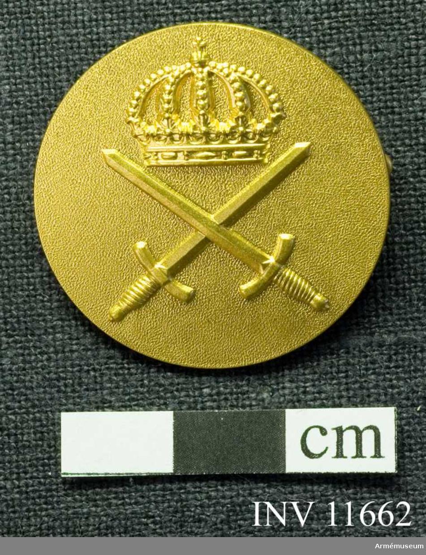 Grupp C I.  Tjänstetecken m/1946 till civil dräkt. 30 mm med säkerhetnål.