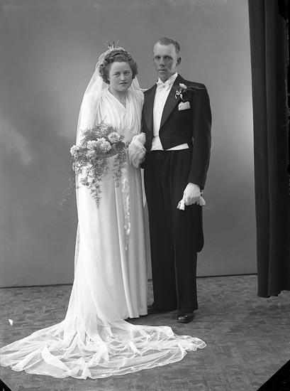 """Enligt fotografens journal nr 6 1930-1943: """"Andersson, Herr Stig Hälle Ödsmål""""."""