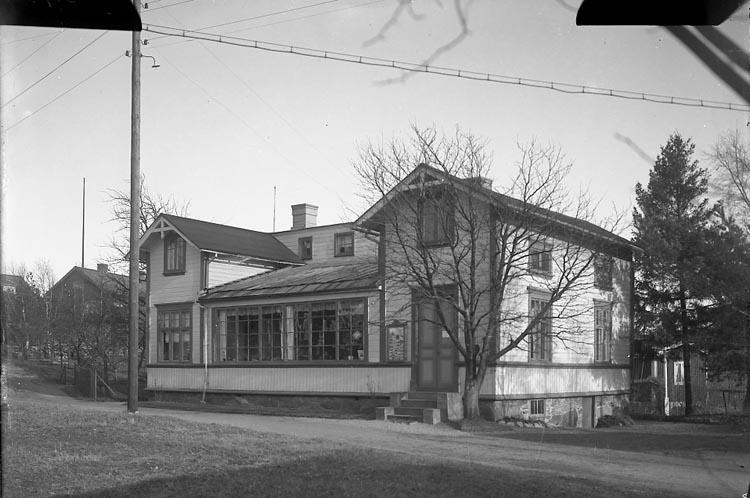 """Enligt fotografens journal nr 6 1930-1943: """"Fotografi-Atelieren, Här"""". ::"""