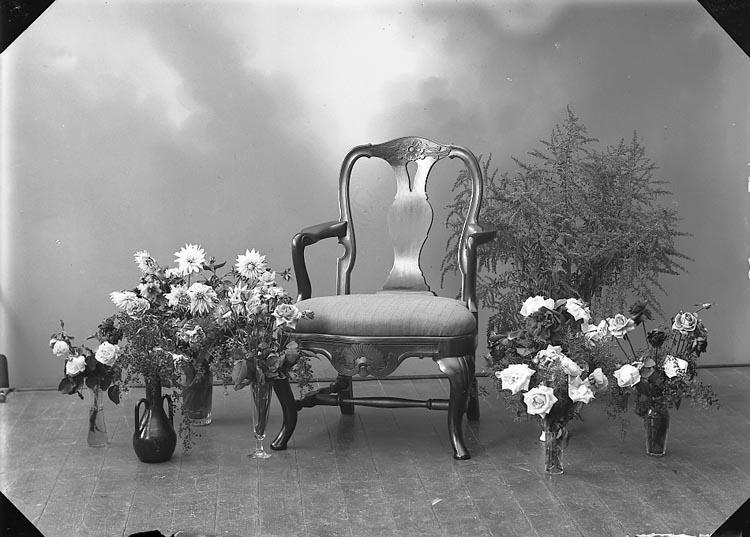"Enligt fotografens journal 6 1930-1943: ""Enander, Ingeborg Stenungsund""."