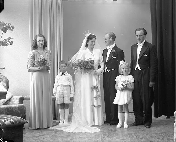 """Enligt fotografens journal nr 7 1944-1950: """"Ulvestål, Herr Bräcke Svenshögen""""."""