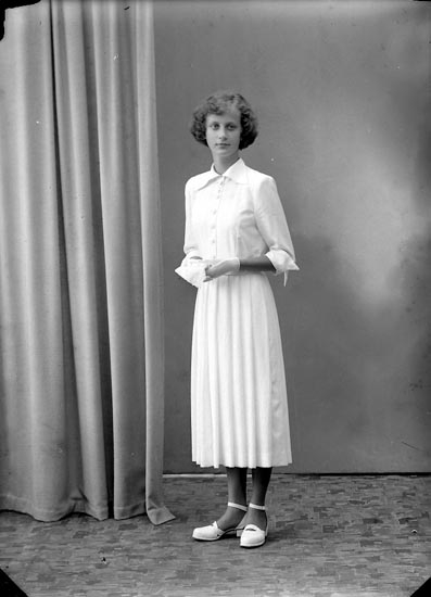 "Enligt fotografens journal nr 7 1944-1950: ""Persson, Fr. Birgitta, Ekedalsg. 38 Gbg""."