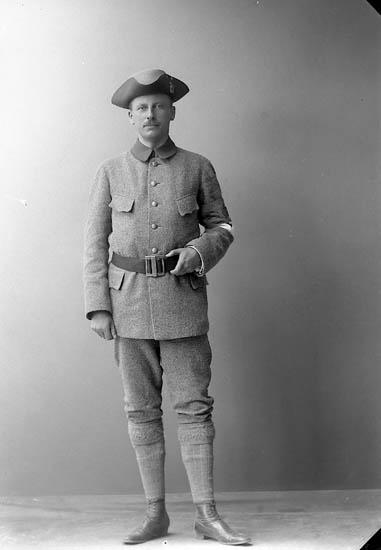 """Enligt fotografens journal nr 2 1909-1915: """"Holmgren, Herr Per Friggeg. 3 Gbg Landstorm"""""""