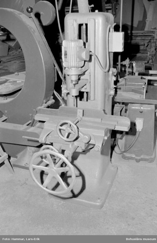 "Motivbeskrivning: ""Widholms industri AB, borrmaskin."" Datum: 19800911"
